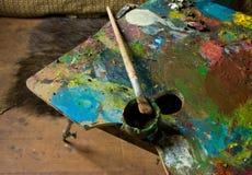 Palette und Schmieröl Stockfoto