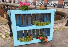 Paletten-Blumenkasten Stockfotografie
