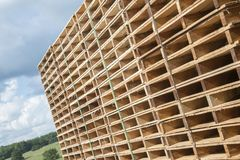 Palettes en bois image libre de droits
