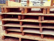 Palettes en bois images stock