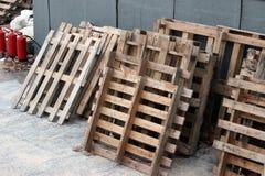 Palettes en bois empilées Photo libre de droits