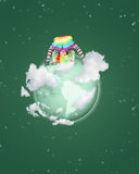 Palhaço da criança no globo na colagem do céu fotografia de stock