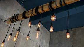 Palić Edison żarówek kształta różnego obwieszenie na promieniu w pokoju zdjęcie wideo