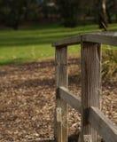 Pali di legno sul lato del paese immagine stock libera da diritti