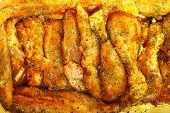 Palillo adobado crudo de la carne del pollo del primer Foto de archivo libre de regalías