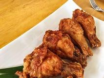 Palillo curruscante del ala de pollo frito Fotografía de archivo
