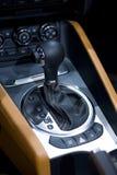 Palillo de engranaje en un coche Fotos de archivo libres de regalías