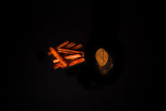 Palillo de la canela en polvo y de canela Imagen de archivo libre de regalías