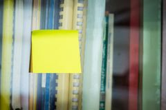 Palillo de la nota del poste fotografía de archivo libre de regalías