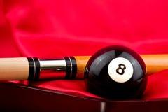 Palillo de piscina con la bola ocho Imagen de archivo libre de regalías