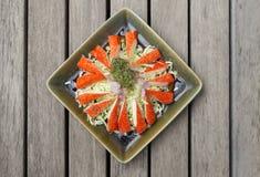 Palillo del cangrejo y ensalada de col fresca Fotografía de archivo libre de regalías