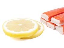 Palillo y limón del cangrejo de Surimi Fotos de archivo