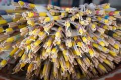 Palillo y velas del incienso para la adoración Imágenes de archivo libres de regalías