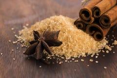 Palillos de canela con el azúcar marrón del bastón puro Imagen de archivo libre de regalías
