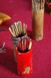 Palillos de la fortuna en el templo Fotografía de archivo