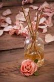 Palillos de la fragancia o difusor del olor Foto de archivo libre de regalías