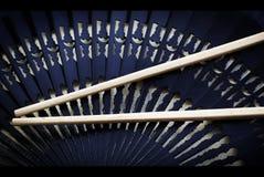 Palillos del sushi con el ventilador, conjunto del asiático Imagenes de archivo