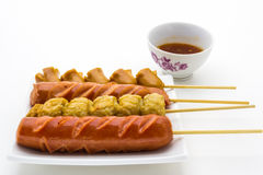 Palillos fritos estilo tailandés de la salchicha Imagenes de archivo
