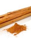 Palillos y polvo del cinamomo Imagen de archivo