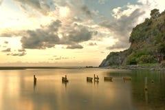 Palinuro Boca de río de Mingardo en el amanecer con el cielo nublado Imagenes de archivo