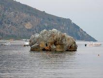 Palinuro - skała w zatoce Mingard zdjęcia stock