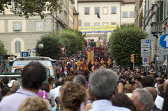 Palio in Arezzo. AREZZO, ITALY - 5 SEPTEMBER 2010 Citizens of Arezzo dressed in historical costumes take part in the yearly parade of La Giostra del Saracino in Stock Image