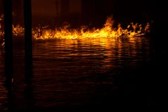paliwo płonąca woda fotografia royalty free