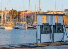 Paliwowa stacja dla łodzi Zdjęcia Royalty Free