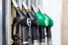 Paliwowy nozzle przy benzynową stacją Obraz Stock