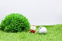 Palla da golf con la decorazione di Natale per la festa del giocatore di golf Fotografia Stock Libera da Diritti