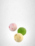palla del gelato o del ripartitore sui precedenti Immagini Stock