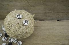 Palla della corda, dell'ago e dei bottoni della canapa Fotografia Stock Libera da Diritti