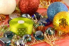 Palla di Natale, carta dell'invito del nuovo anno Immagine Stock