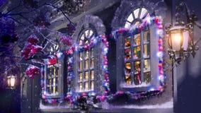 Palla di Natale nella sera di inverno stock footage