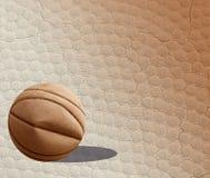 Palla di pallacanestro e fondo di struttura Fotografie Stock Libere da Diritti