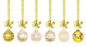 Palla dorata delle bagattelle del nuovo anno di Natale Fotografie Stock
