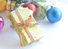 Palla a partire dal giorno di Natale Fotografie Stock