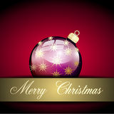 Palla porpora di Buon Natale dell'oro Fotografia Stock