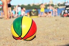 Palla sulla spiaggia Immagine Stock Libera da Diritti