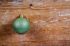 Palla verde di Natale Immagine Stock