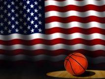 Pallacanestro sulla corte con la bandiera americana Fotografia Stock