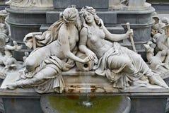 喷泉奥地利议会维也纳奥地利 库存照片