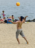Pallavolo sulla spiaggia Immagini Stock