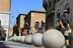Palle concrete di parcheggio a Ravenna Immagini Stock