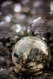 Palle d'argento per l'albero di Natale Fotografia Stock