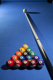 Palle da biliardo dello stagno nella posizione di partenza comunemente usata con lo stagno Fotografie Stock Libere da Diritti