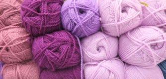 Palle del filato di lana fotografia stock libera da diritti