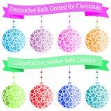Palle dell'ornamento di Natale su fondo bianco illustrazione di stock