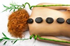Palle della compressa della stazione termale di massaggio del tessuto fotografie stock