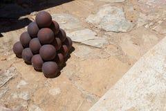 Palle di cannone di San Cristobal Fort Fotografia Stock